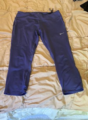 Nike running leggings - cropped L for Sale in Lynnwood, WA