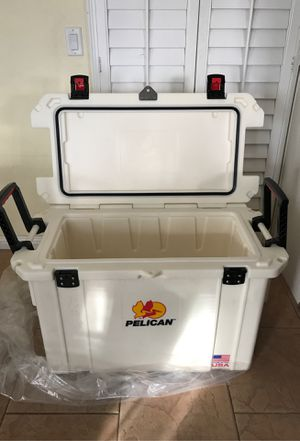 Pelican ProGear Elite Cooler / Ice Chest 95qt for Sale in Long Beach, CA