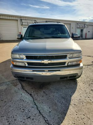 2002 chevy suburban 3900obo for Sale in Broken Arrow, OK
