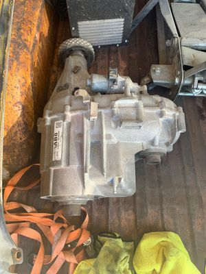 Gm GMC Chevrolet transfer case np246 for Sale in Las Vegas, NV