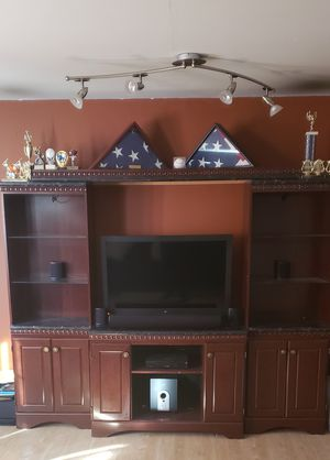 TV/ Entertainment Stand with 6 picture shelves for Sale in Crofton, MD