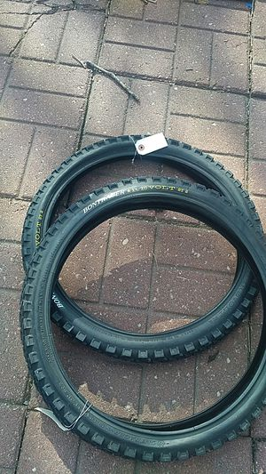 Brand new pair of 20x2.1 in bontrager revolt tires for Sale in Chicago, IL