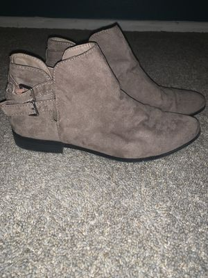 Forever 21 boots for Sale in Chiriaco Summit, CA