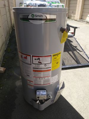 40 gallon natural gas water heater for Sale in Durham, NC