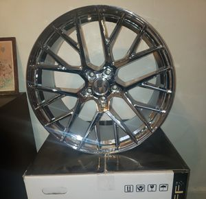 20 ruff chrome rims NEW IN BOXES 5x114 20x10.5 for Sale in North Miami Beach, FL