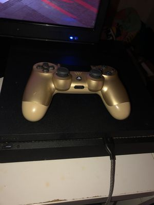 PlayStation 4 (Comes With Games) for Sale in Columbus, OH