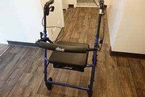 Drive Medical Steel Rollator Rolling Walker With Seat for Sale in Seattle, WA