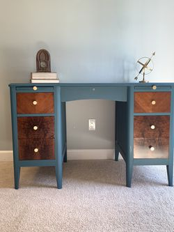 Mid Century Desk for Sale in Fayetteville,  GA