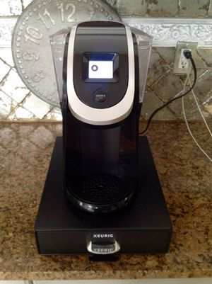 Keurig 2.0 with organizer tray and free extras for Sale in Nashville, TN