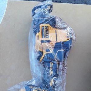 Brand new Dewalt 20v Xr Brushless Hand held Sawzal for Sale in Fresno, CA