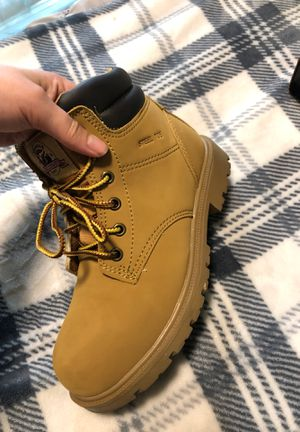 Woman's steel toe work boots Size 7 for Sale in Lakewood, WA