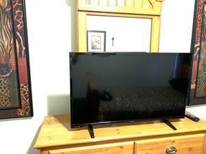 40 inch insignia, from Best Buy ! Pickup only a few months old hardly used 140$ obo comes with universal remote for Sale in Fresno, CA