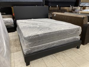 Queen bed frame and mattress for Sale in Chicago, IL