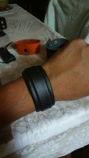 Leather cuff for Sale in Rancho Palo Chino, MX
