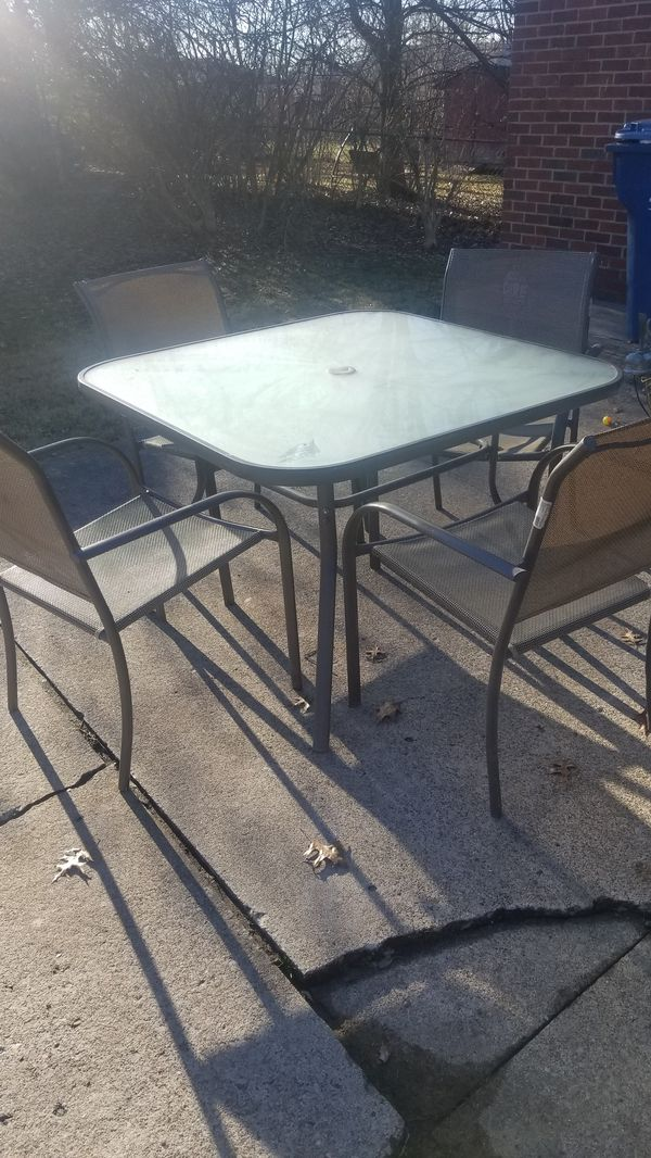 Outdoor furniture (make an offer)