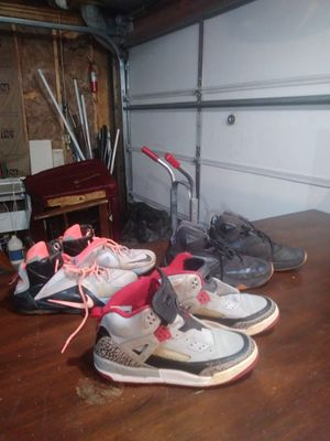 Nike shoes 7 youth for Sale in Wichita, KS