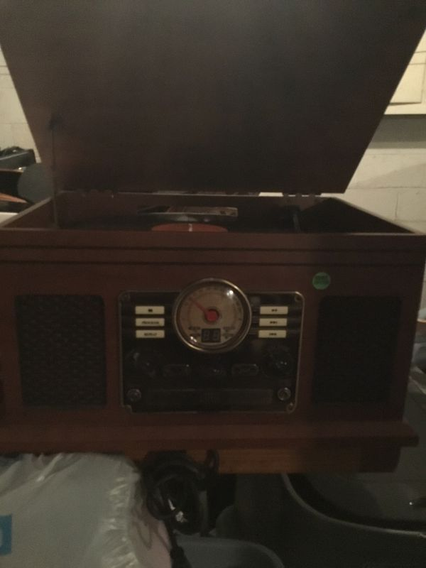 New CD players ,Lp , Radio . Pick up only