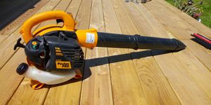 Poulan pro bvm200 leaf blower almost new for Sale in Irving, TX