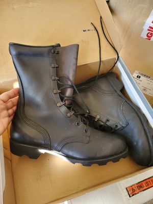 Work boots for men for Sale in San Fernando, CA