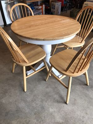 Round pedestal dining table with 4 chairs for Sale in Maple Valley, WA