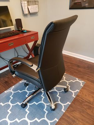 Leather office chair for Sale in Charles Town, WV