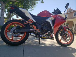 Motorcycle Honda CBR 250r for Sale in Rialto, CA