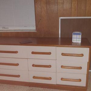 Free 9 drawer Dresser Heavy for Sale in Palm Beach, FL