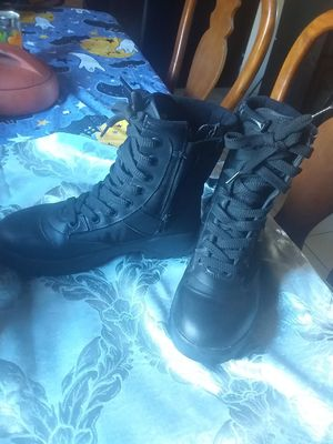 Work boots size 9 for Sale in Sacramento, CA