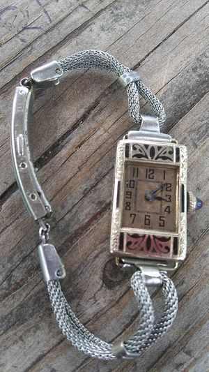 1941 ladies gem watch make offer for Sale in Fulton, MO