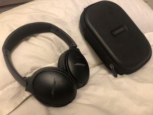 Bose quiet comfort 35 Bluetooth headphones for Sale in Long Beach, CA