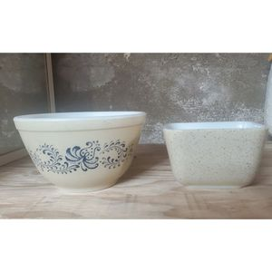 2 Pc Vintage PYREX Speckled Homestead for Sale in San Diego, CA