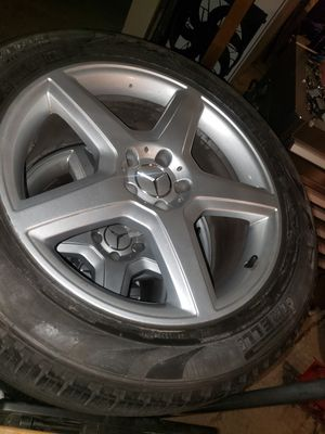 "19"" rims 5x112 bolt pattern 255/50 R19 for Sale in Lee's Summit, MO"