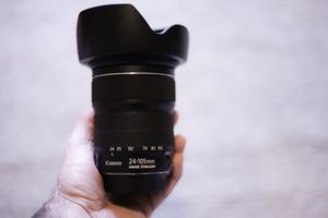 Canon 24-105mm for Sale in Baltimore, MD
