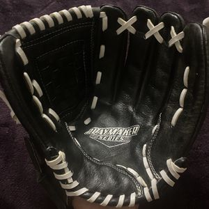 Rawlings Playmaker Series Softball Glove for Sale in Hacienda Heights, CA