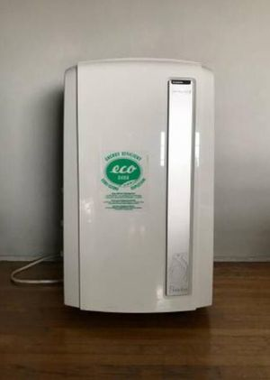 Delonghi Pinguino Portable Air Conditioner 14,000 BTU for Sale in Los Angeles, CA
