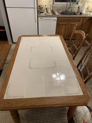 Kitchen table and 6 chairs for Sale in Huntingdon Valley, PA