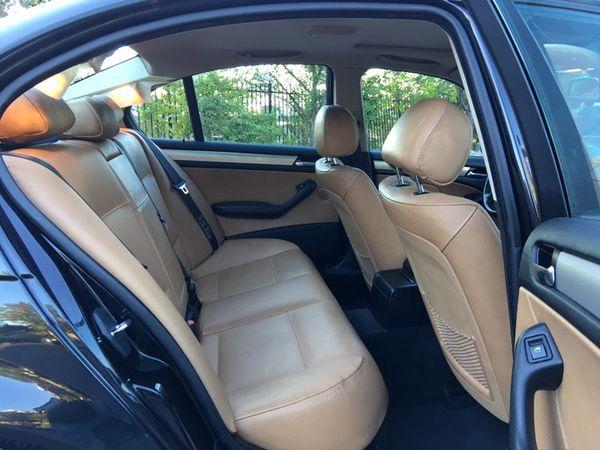 2004 BMW 325XI
