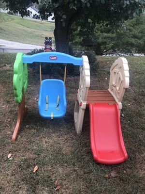 Little tikes swing set & slide for Sale in BLCKBERRY CTY, WV