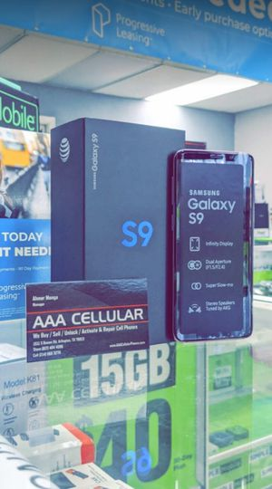 Unlocked Samsung Galaxy S9, 64gb, Excellent condition, Free charger for Sale in Fort Worth, TX