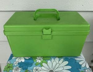 Vintage Lime Green 1970s Plastic Wilson Wilhold 6x12 Sewing Box w/Tray Organizer This sewing storage box is gorgeous! for Sale in Tacoma, WA