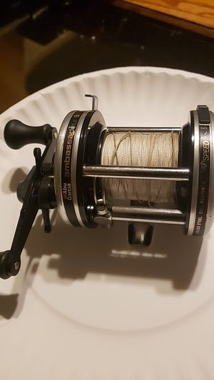 Abu garcia 6500c3 fishing reel for Sale in Joliet, IL