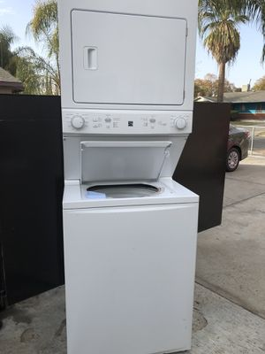 Kenmore stackable washer and dryer like new conditions for Sale in Fresno, CA