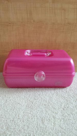 Pink Caboodle for makeup or crafts. Interior lid (that has the mirror on the reverse side) has a crack at the back near the hindge. for Sale in St. Petersburg, FL