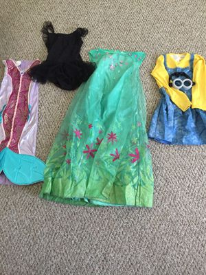 Halloween costumes/minion-medium/Elsa-children size/ Black tutu dress-10-12/mermaid-small children size for Sale in Moreno Valley, CA