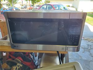LG Microwave for Sale in Garden Grove, CA