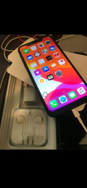 iphone 11 max pro for Sale in Bristol, VA