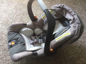 Chicco Keyfit 30 Infant Car Seat for Sale in Plano, TX