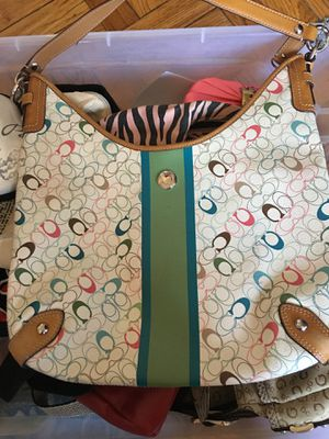 Authentic Coach Chelsey Stripe Signature multicolor Hobo bag price reduced for Sale in Queens, NY