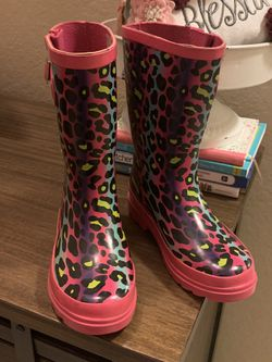 Kids Rain Boots for Sale in San Marcos,  TX
