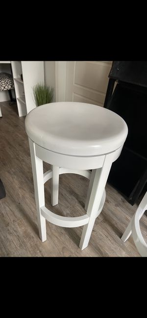 Bar stools painted white. for Sale in Zephyrhills, FL